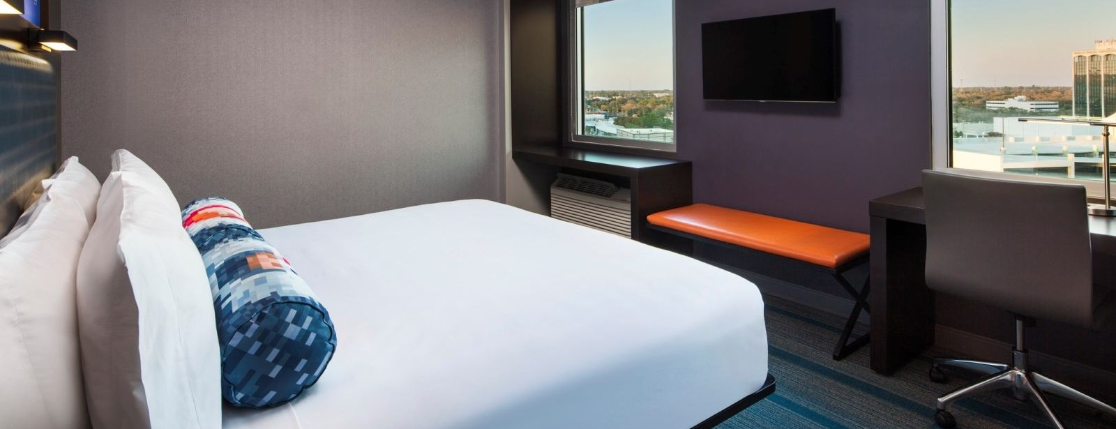 Sarasota Accommodations - Aloft King Room